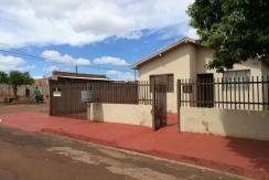 Casa de esquina a Venda no Cohab