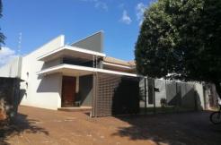 Casa area Central com Piscina