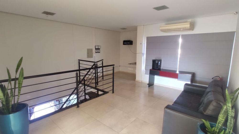 Locação de salas comercial segundo piso em area central.